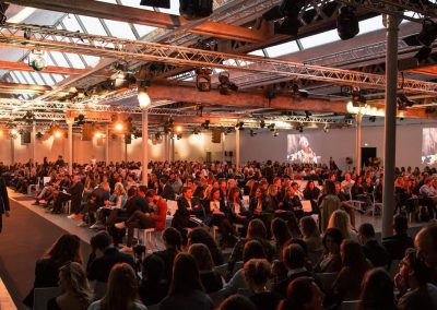Lille – Les Halls de la Filature – 3 700 personnes